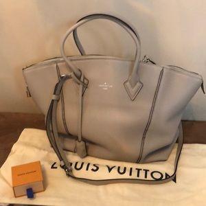 💯% Authentic Louis Vuitton Soft Lockit MM